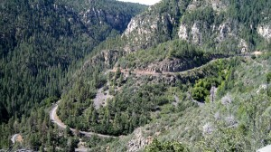 Oak Creek Canyon Road down the mountain